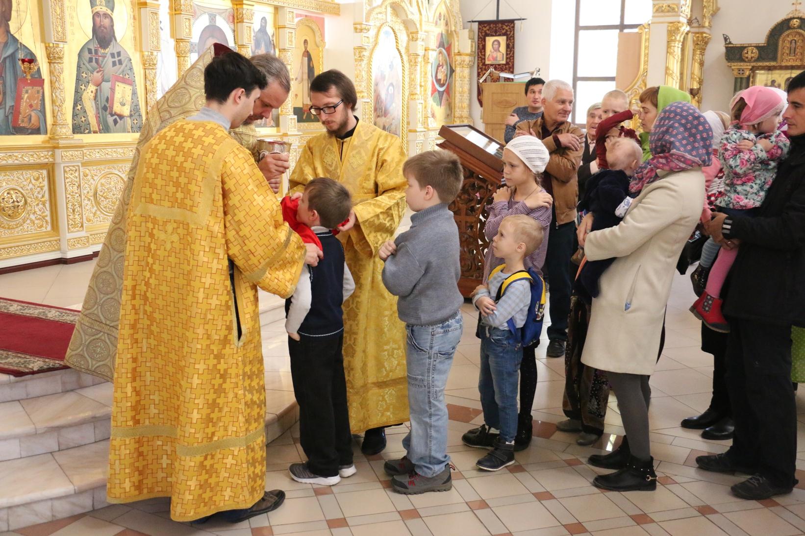 Неделя 19-я по Пятидесятнице, память первомученицы равноапостольной Феклы
