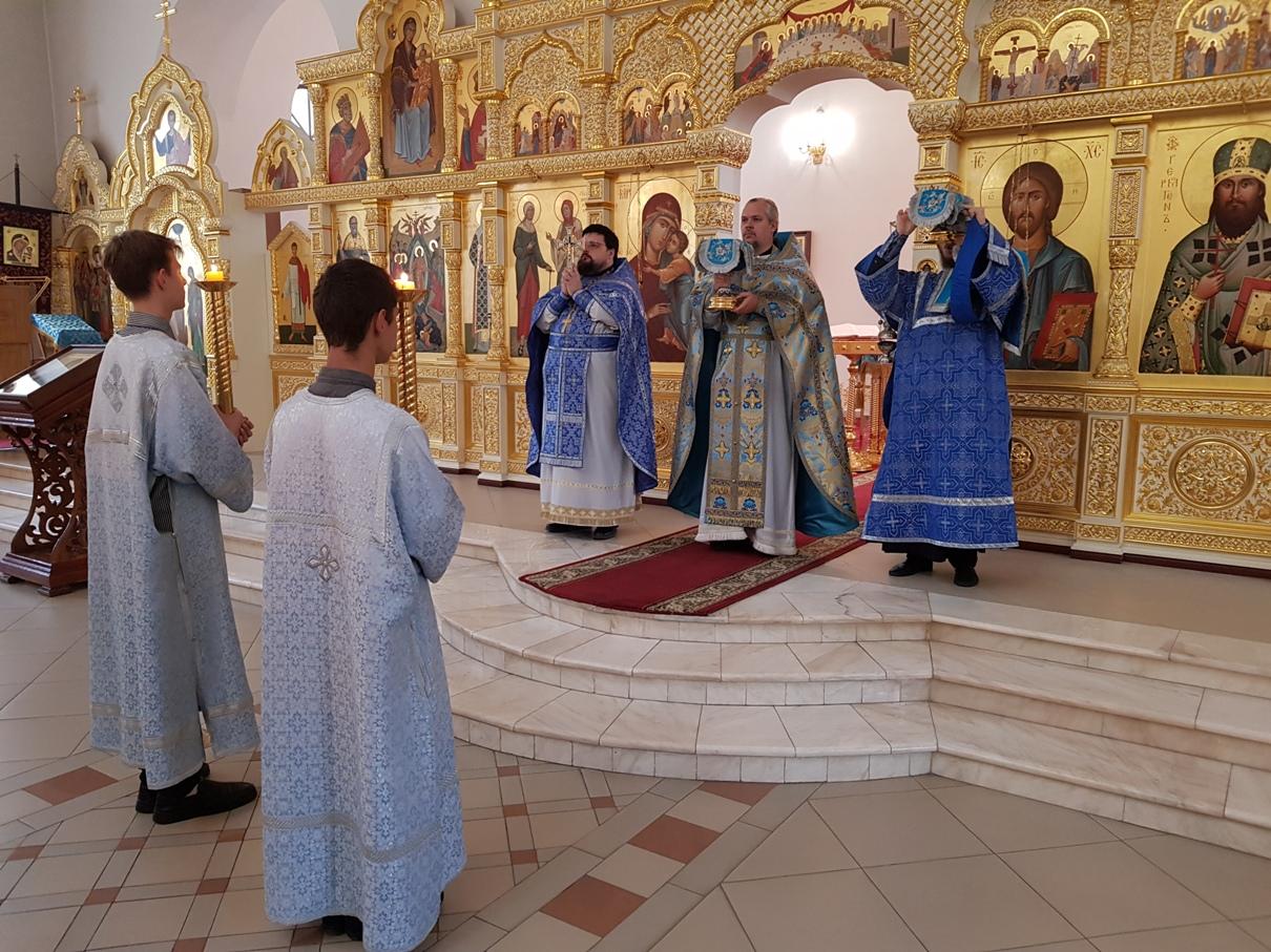 Неделя 20-я по Пятидесятнице, Покров Пресвятой Владычицы нашей Богородицы и Приснодевы Марии
